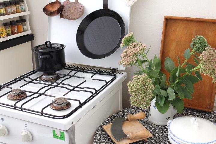 vintage k che 5 n hmarie. Black Bedroom Furniture Sets. Home Design Ideas